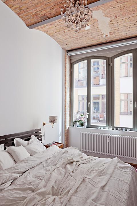 PRENZLAUER BERG Berlin Fantastic Frank Bed