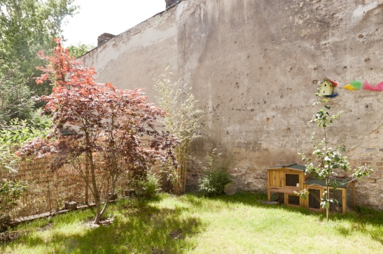 private garden berlin family apartment
