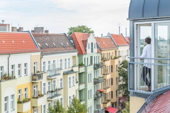French balcony Sonntagstraße Berlin immobilienagentur Fantastic Frank